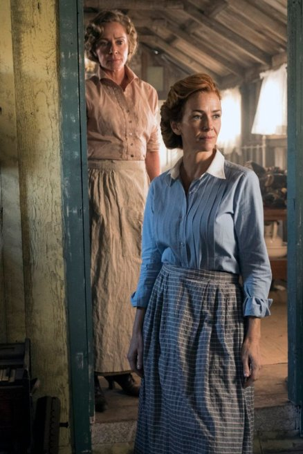 """TIMELESS -- """"The War to End All Wars"""" Episode 201 -- Pictured: (l-r) Susanna Thompson as Carol, Anne Wersching as Emma -- (Photo by: Justin Lubin/NBC)"""