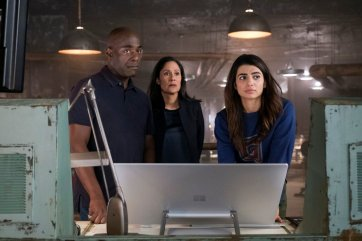 """TIMELESS -- """"The War to End All Wars"""" Episode 201 -- Pictured: (l-r) Paterson Joseph as Connor Mason, Sakina Japery as Denise Christopher, Claudia Doumit as Jiya -- (Photo by: Justin Lubin/NBC)"""