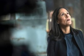 """TIMELESS -- """"The War to End All Wars"""" Episode 201 -- Pictured: Sakina Jaffery as Denise Christopher -- (Photo by: Justin Lubin/NBC)"""